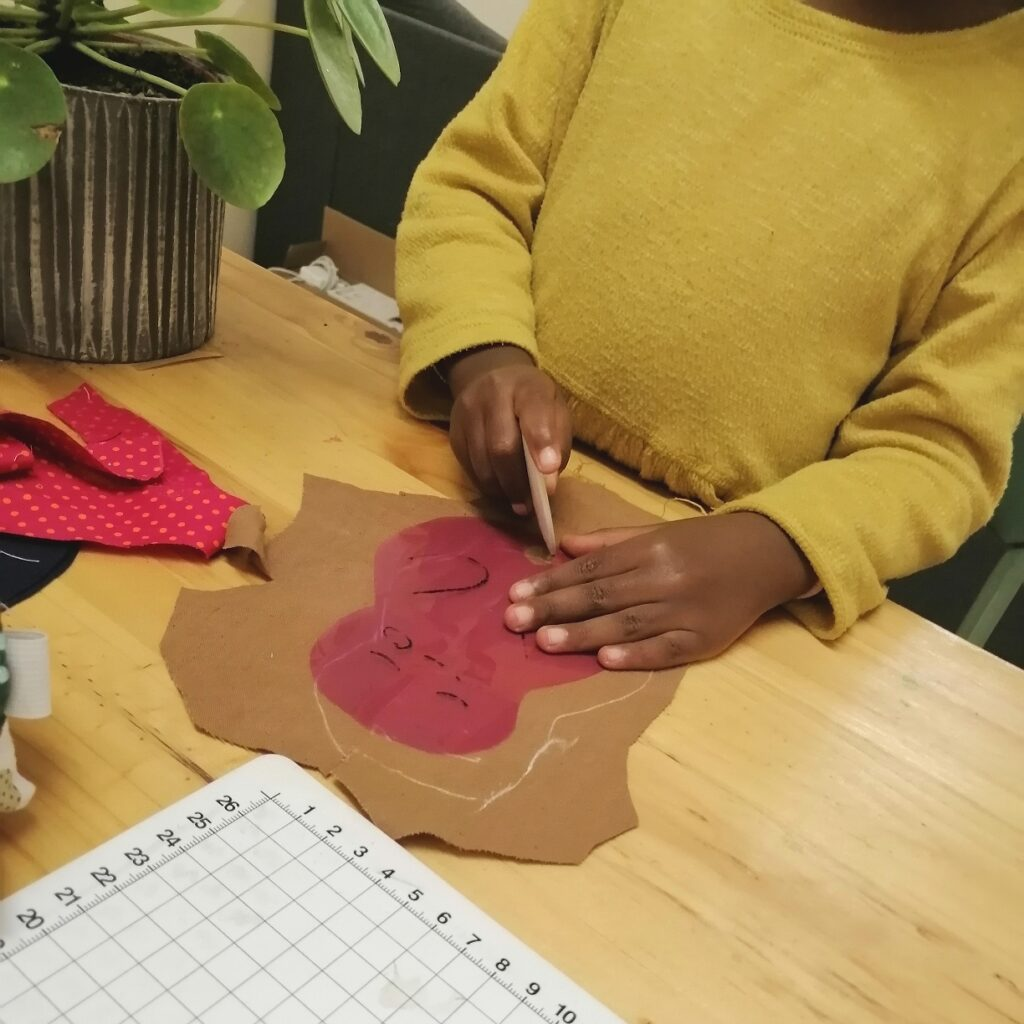 Daughter tracing patterns